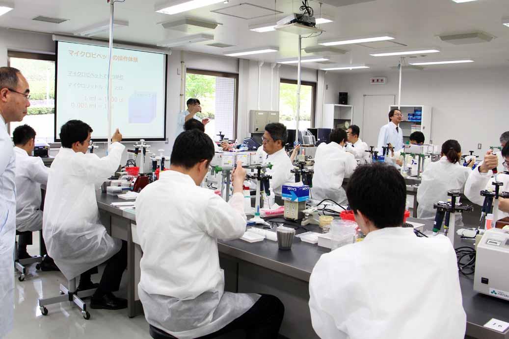 内閣府食品安全委員会「遺伝子組換え実験」